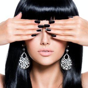 beautiful-woman-with-black-nails.jpg