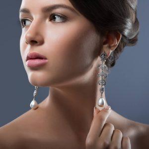 gorgeous-woman-with-precious-jewelry-in-studio.jpg